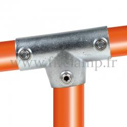 Raccord tubulaire T long incliné 0°-11° (155) pour un assemblage tubulaire. Double galvanisation