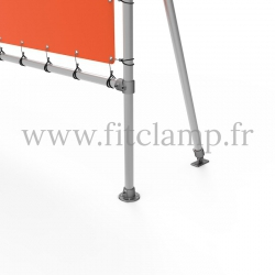 Fixed display frame with tension banner on aluminium tubular structure. For detail.