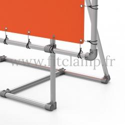 Cadre d'affichage XL sur pied avec bâche tendue en structure tubulaire. Détaille raccord tubulaire