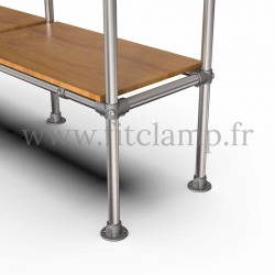 C42 Tubular double upright shelving unit: Furniture in tubular structure. Option foot: plate 131