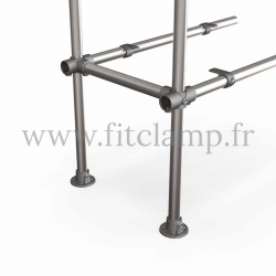 Tubular upright shelving extension: Furniture in C42 tubular structure. Option foot : Plate