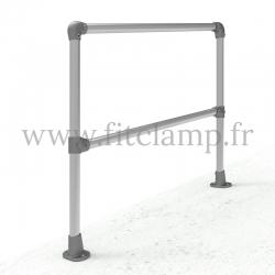 Poteau barrière inclinée 0-11° en structure tubulaire acier galvanisé en situation – Départ. FitClamp