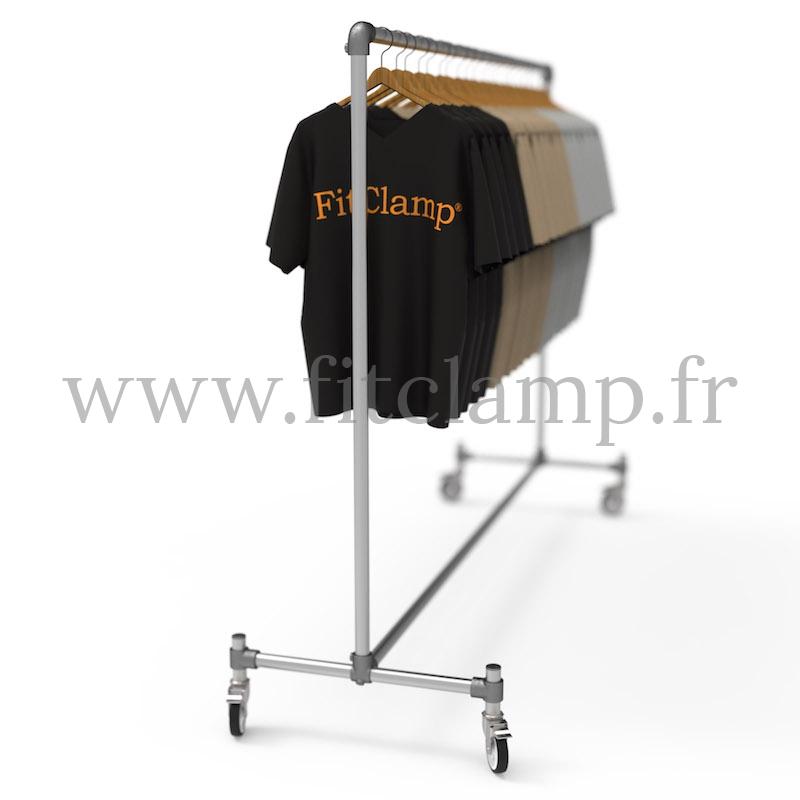 Porte-vêtements simple en structure tubulaire. Idéal pour votre agencement de magasin. En situation. FitClamp