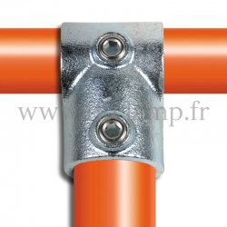 Tube clamp fitting: reducing short tee for tubular structures. Suitable for joining 2 tubes.
