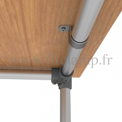 Table renforcée en structure tubulaire B34 acier galvanisé. Raccord tubulaire patte de fixation. FitClamp