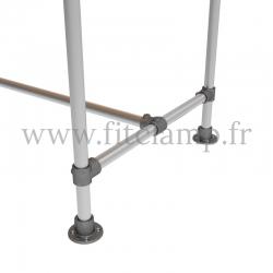 Table renforcée en structure tubulaire B34 acier galvanisé. Piètement raccord tubulaire platine. FitClamp
