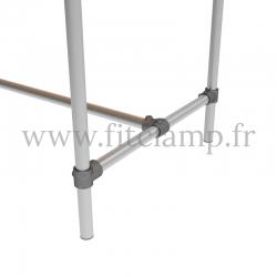 Table renforcée en structure tubulaire B34 acier galvanisé. Piètement raccord tubulaire embout. FitClamp