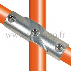 Raccord tubulaire Croix incliné 30°-45° (130) pour un assemblage tubulaire. Compatible pour fixer 3 tubes.