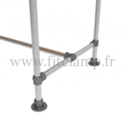 D48 Reinforced table in tubular structure: Industrial style. Foot option : Plate 131