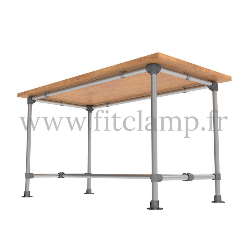 Table renforcée en structure tubulaire D48 en acier galvanisé. FitClamp