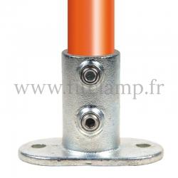 Raccord tubulaire Piètement avec platine oblong (132) pour un assemblage tubulaire. Compatible pour fixer 1 tube.